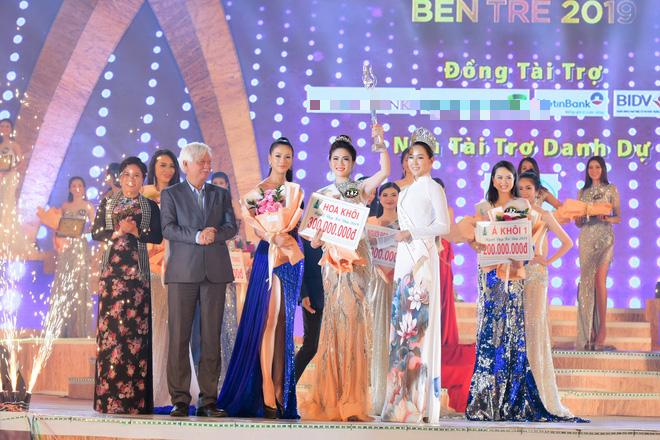 Bùi Kim Quyên đăng quang Người đẹp Xứ dừa 2019 - Ảnh 9.