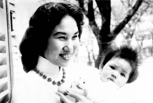 Danh ca Ý Lan: Không có bạn thân, tuổi thơ bị mẹ Thái Thanh nhốt trong nhà, không cho chơi với bạn - Ảnh 3.