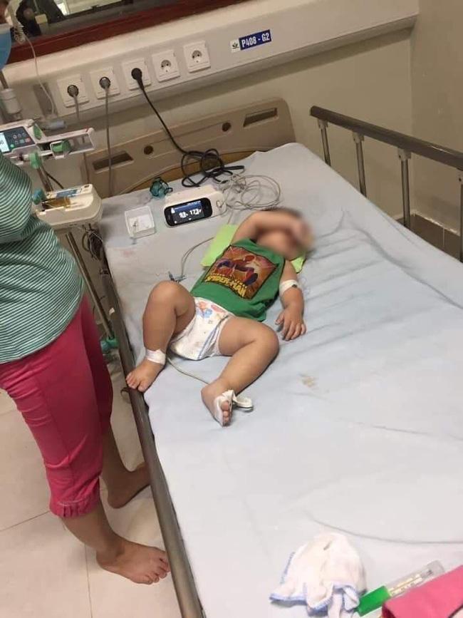 Đau xót một gia đình có 2 con nhỏ lần lượt tử vong trong chưa đầy 1 tháng, nghi nhiễm Whitmore - Ảnh 1.