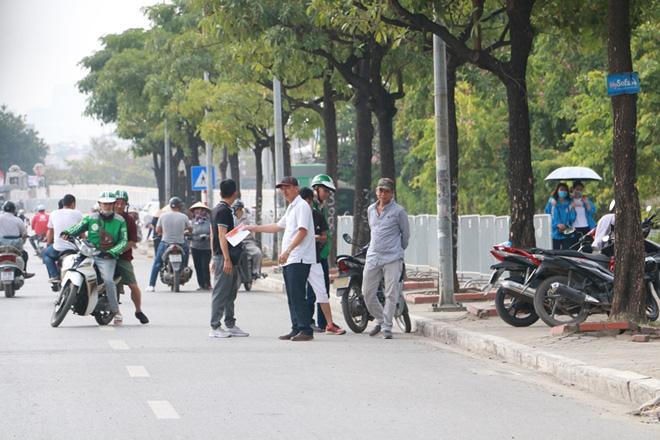 Cặp vé chợ đen trận Việt Nam - Thái Lan được đẩy lên 10 triệu đồng - Ảnh 1.