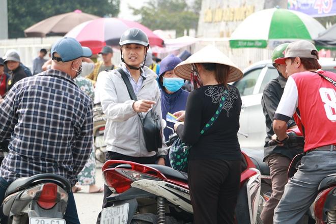 Cặp vé chợ đen trận Việt Nam - Thái Lan được đẩy lên 10 triệu đồng - Ảnh 5.