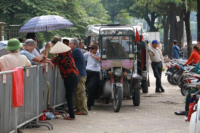 Cặp vé chợ đen trận Việt Nam - Thái Lan được đẩy lên 10 triệu đồng - Ảnh 6.