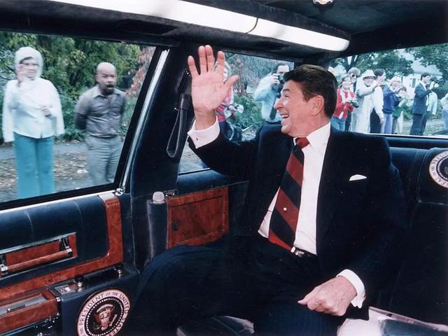 """Vụ ám sát tổng thống Kennedy đã """"cách mạng hóa"""" những chiếc xe chuyên chở các Tổng thống như thế nào? - Ảnh 6."""