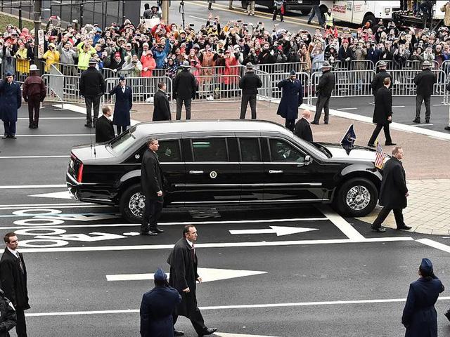 """Vụ ám sát tổng thống Kennedy đã """"cách mạng hóa"""" những chiếc xe chuyên chở các Tổng thống như thế nào? - Ảnh 9."""