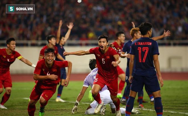 CĐV châu Á trầm trồ với trận đấu Việt Nam - Thái Lan, khen ngợi thủ thành Đặng Văn Lâm - Ảnh 2.