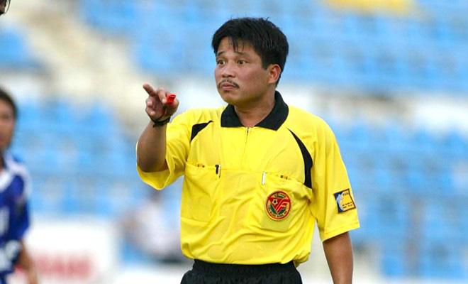 Cựu còi vàng Dương Mạnh Hùng: Trọng tài hôm nay rất bản lĩnh và tinh tế - Ảnh 3.