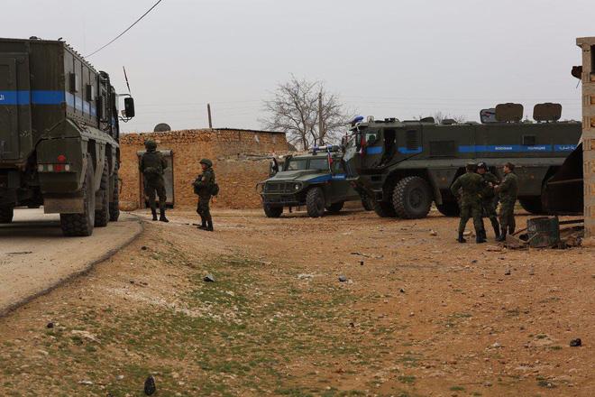 Xe thiết giáp Nga suýt thất thủ ở Syria: Rất lì lợm - Cứu bàn thua trông thấy! - Ảnh 4.