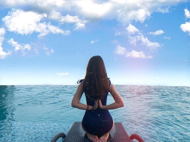 Bạn gái cầu thủ Văn Toàn ngày càng gợi cảm, liên tục tung ảnh bikini khoe 3 vòng bỏng mắt - Ảnh 5.