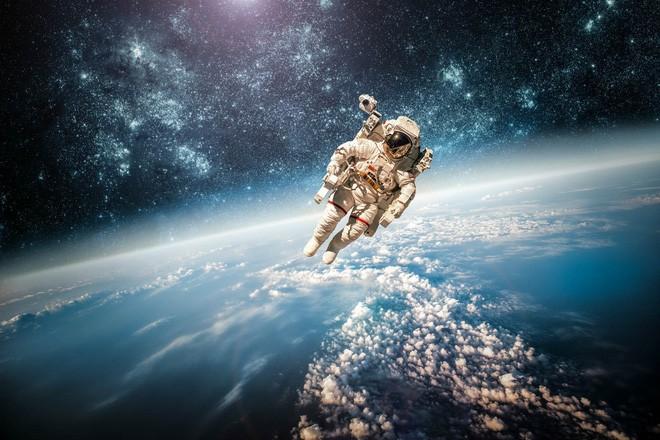 Cần phi hành đoàn bao nhiêu người thì mới đủ để sống sót trên đường sang hệ sao Proxima Centauri? - Ảnh 1.