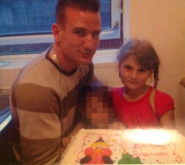 Bị bố cưỡng bức mỗi ngày suốt nhiều năm, con gái 13 tuổi đã mang thai và sinh con sau 2 lần sảy thai - Ảnh 1.