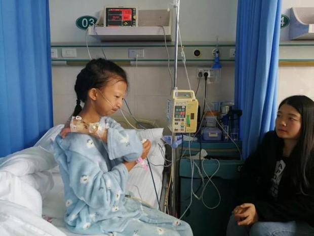 Chị gái 24 tuổi chỉ nặng 21,5 kg bỏ học kiếm tiền nuôi em trai mắc bệnh tâm thần và chuỗi ngày bất hạnh nối tiếp - Ảnh 2.