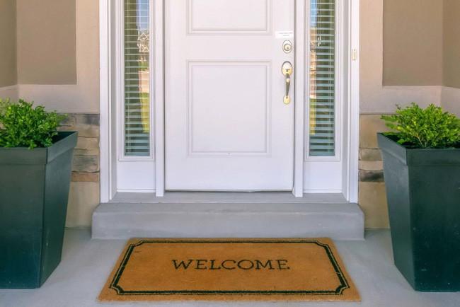 14 điều mà chuyên gia an ninh khuyên bạn không nên làm trong chính ngôi nhà của mình để đảm bảo sự an toàn và bảo mật - Ảnh 1.