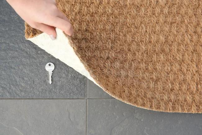 14 điều mà chuyên gia an ninh khuyên bạn không nên làm trong chính ngôi nhà của mình để đảm bảo sự an toàn và bảo mật - Ảnh 3.