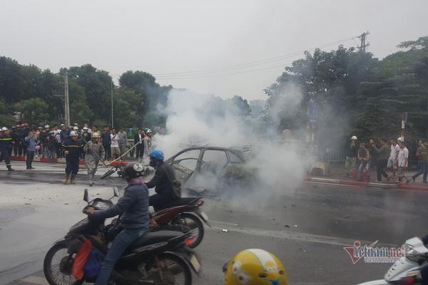 Nữ tài xế lái Mercedes gây tai nạn kinh hoàng ở Hà Nội không làm chủ được tốc độ - Ảnh 1.