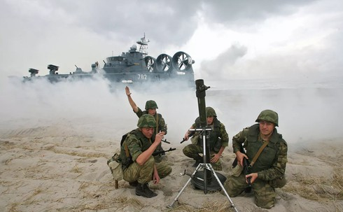 Khám phá sức mạnh vũ khí của Lực lượng Tên lửa và Pháo binh Nga - ảnh 1