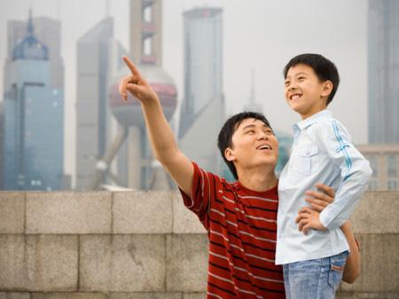 """""""Nhà mình có giàu không ạ?"""": Câu trả lời khác nhau của 2 ông bố khiến cuộc đời con cái rẽ theo 2 hướng trái ngược - Ảnh 4."""