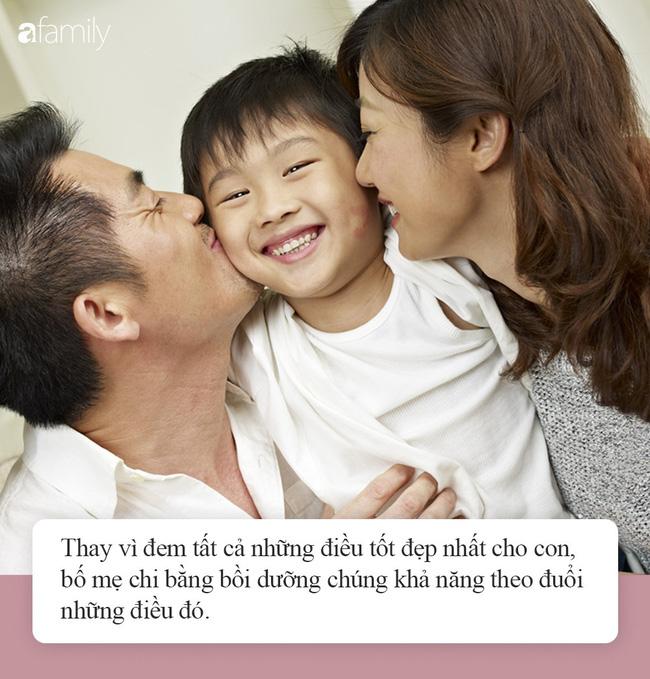 """""""Nhà mình có giàu không ạ?"""": Câu trả lời khác nhau của 2 ông bố khiến cuộc đời con cái rẽ theo 2 hướng trái ngược - Ảnh 5."""
