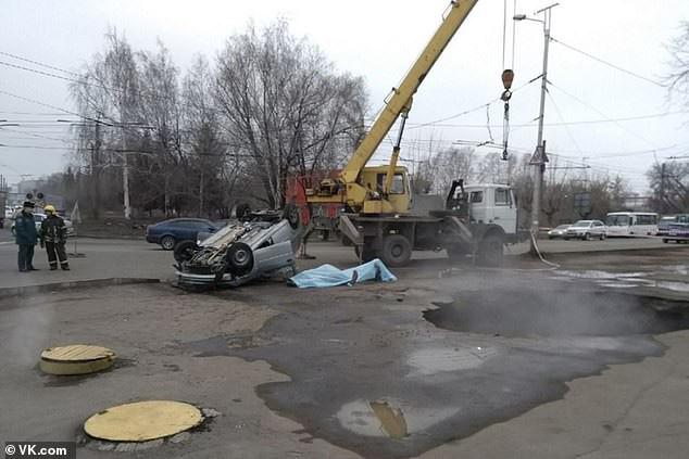 Ở Nga, nước nóng được dẫn bằng đường đống đến các công sở và các tòa chung cư để sưởi ấm trong mùa đông khắc nghiệt.