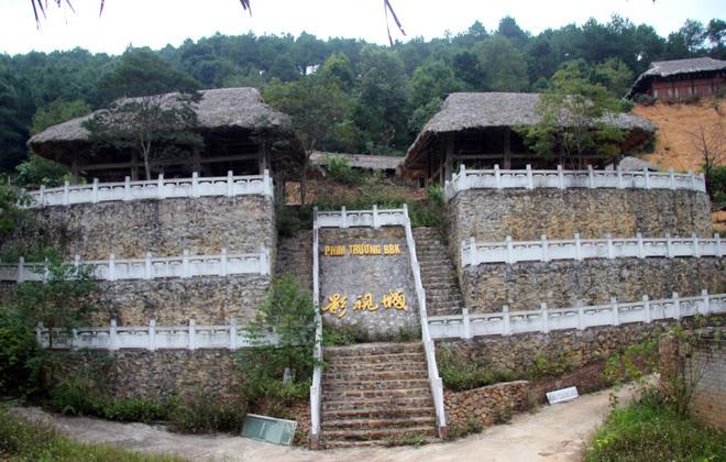 Sẽ phá bỏ công trình phim trường bí ẩn xây dựng trên núi ở Lạng Sơn - Ảnh 2.