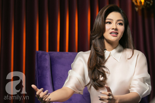 Vũ Thu Phương: Lấy chồng đại gia Campuchia, nuôi 2 con riêng, có mâu thuẫn là mời mẹ chồng - em chồng ra nói chuyện - Ảnh 10.