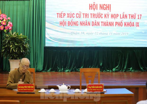 Ông Tất Thành Cang vắng mặt tại buổi tiếp xúc cử tri vì công việc đột xuất - Ảnh 2.