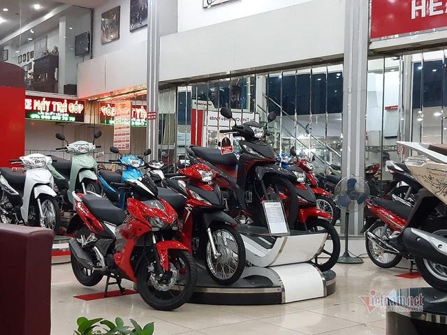 Honda Lead, Winer X giảm giá ào ào, lợi hơn mua SH - Ảnh 1.