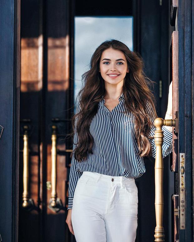 Chân dung nữ nghị sĩ trẻ nhất Belarus khiến cộng đồng mạng điêu đứng: Sở hữu vẻ đẹp tựa thiên thần, từng lọt top 5 Hoa hậu Thế giới - Ảnh 6.