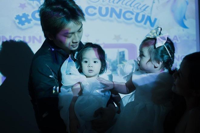 Hai con gái Hoài Lâm xinh như thiên thần trong ngày sinh nhật - Ảnh 6.