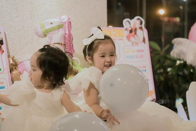Hai con gái Hoài Lâm xinh như thiên thần trong ngày sinh nhật - Ảnh 8.
