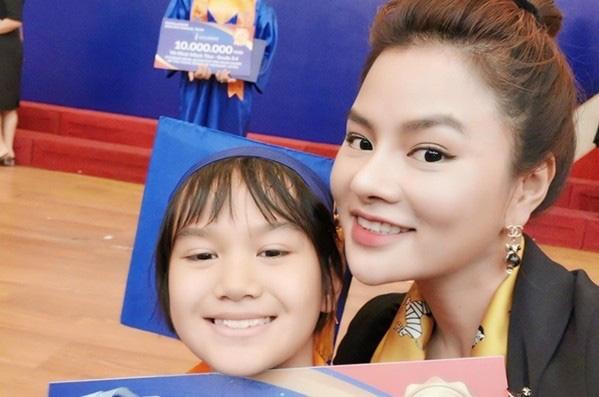 Cách ứng xử khôn ngoan của mỹ nhân Việt với con riêng của chồng - Ảnh 5.