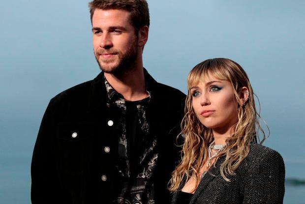 Hoang mang tin Miley Cyrus không thể hát được nữa, bị đưa vào trai cai nghiện sau khi ly dị Liam Hemsworth - Ảnh 2.