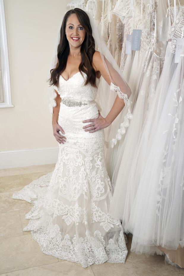 Cô gái  hoãn đám cưới tận 18 năm để tập trung giảm cân, lấy lại vóc dáng thon gọn mới tự tin mặc váy cưới - Ảnh 4.