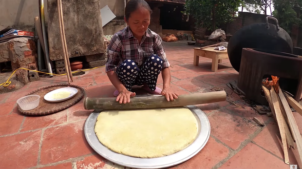 Lại thất bại trong màn làm đồ ăn siêu to khổng lồ, bà Tân nhanh chóng chữa cháy để cứu chiếc bánh khoai - Ảnh 5.