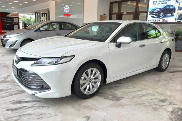 Dọn hàng tồn trước Tết, cả thị trường ô tô giảm giá kỷ lục hàng trăm triệu đồng - Ảnh 6.
