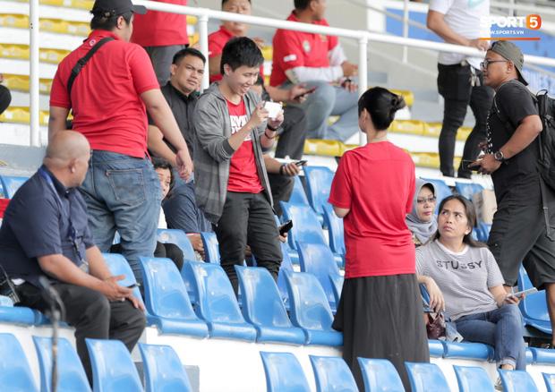 Thánh nữ Maria Ozawa đi xem SEA Games, cổ vũ trận U22 Indonesia đấu U22 Thái Lan - Ảnh 3.