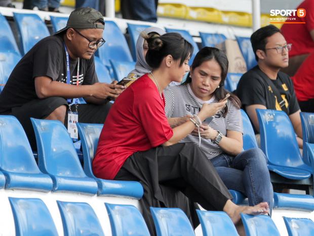 Thánh nữ Maria Ozawa đi xem SEA Games, cổ vũ trận U22 Indonesia đấu U22 Thái Lan - Ảnh 4.