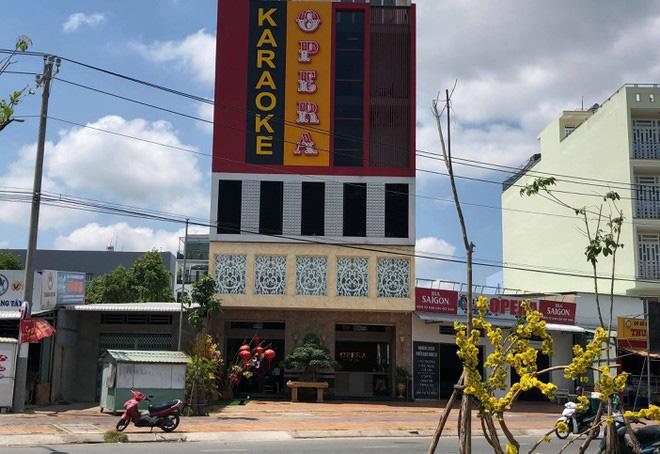 Trung tá công an bị đánh bất tỉnh trong quán karaoke, rồi tử vong - Ảnh 1.
