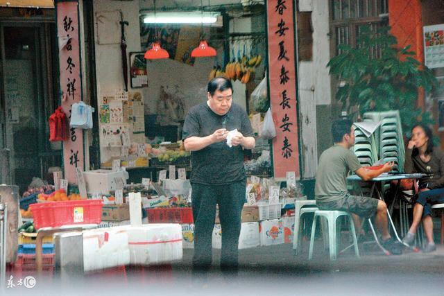 Sao Hoàng Phi Hồng: Phải đóng phim cấp 3 vì vỡ nợ và hết thời, bị bệnh tật hành hạ ở tuổi U70 - Ảnh 5.