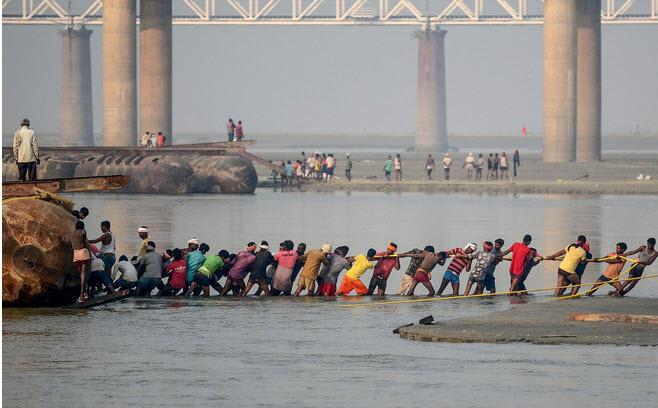 24h qua ảnh: Ngư dân phơi cá làm mắm đặc sản ở Phú Quốc - Ảnh 11.
