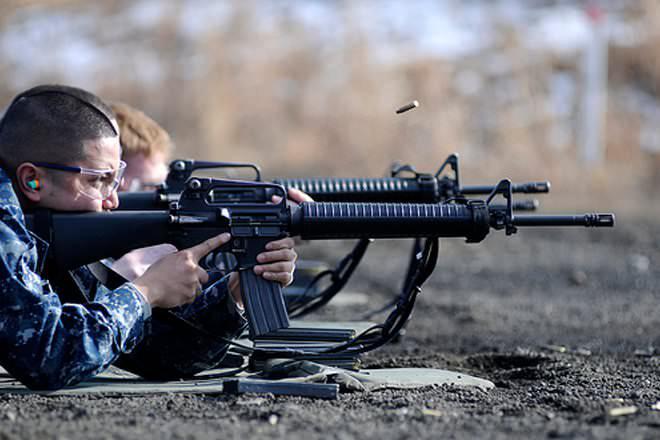 Chuyên gia Nga đưa ra đánh giá bất ngờ về súng tiểu liên AK-47: M16 được giải oan? - Ảnh 3.