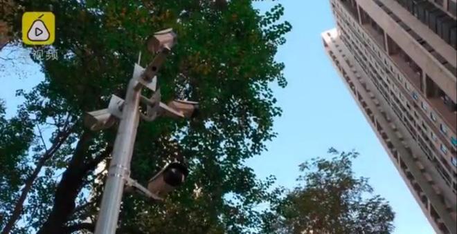 Quyết tìm ra kẻ hay ném rác từ lầu cao, chung cư này lắp ngay 127 camera giám sát - Ảnh 2.