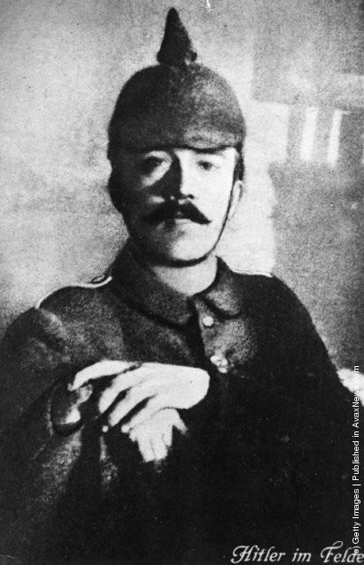 Ảnh hiếm về Adolf Hitler trước khi trở thành trùm phát xít khét tiếng - Ảnh 4.