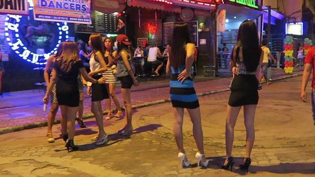 Cuộc đời những cô gái dịch vụ giữa lòng thành phố mại dâm lớn nhất Philippines: Tuyệt vọng trước nạn buôn người và lạm dụng không thể chống đỡ - Ảnh 6.