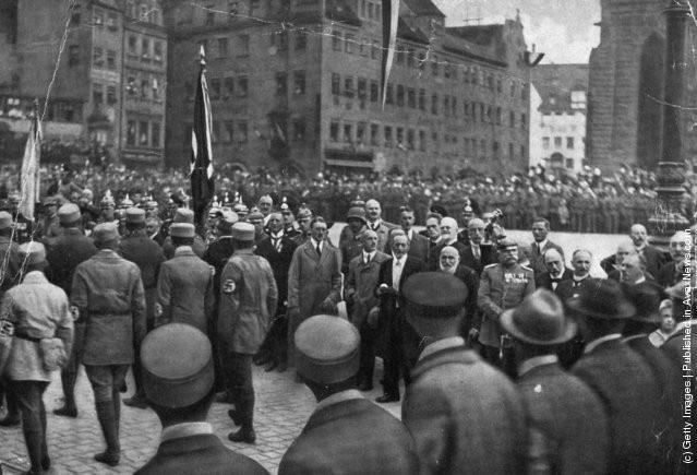 Ảnh hiếm về Adolf Hitler trước khi trở thành trùm phát xít khét tiếng - Ảnh 10.