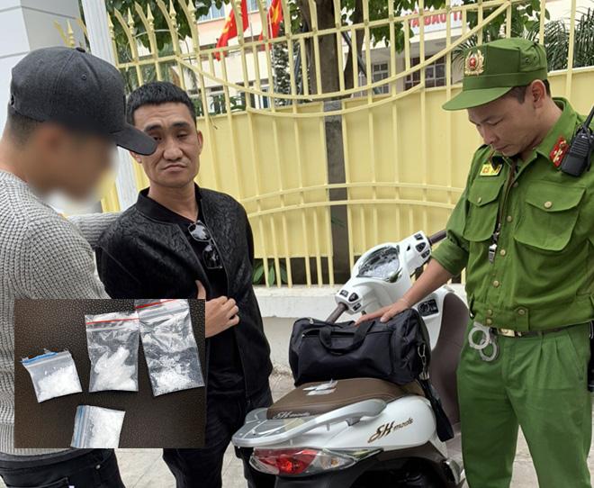 Khống chế hai đối tượng mang ma túy lao xe máy vào cảnh sát 141 - Ảnh 1.