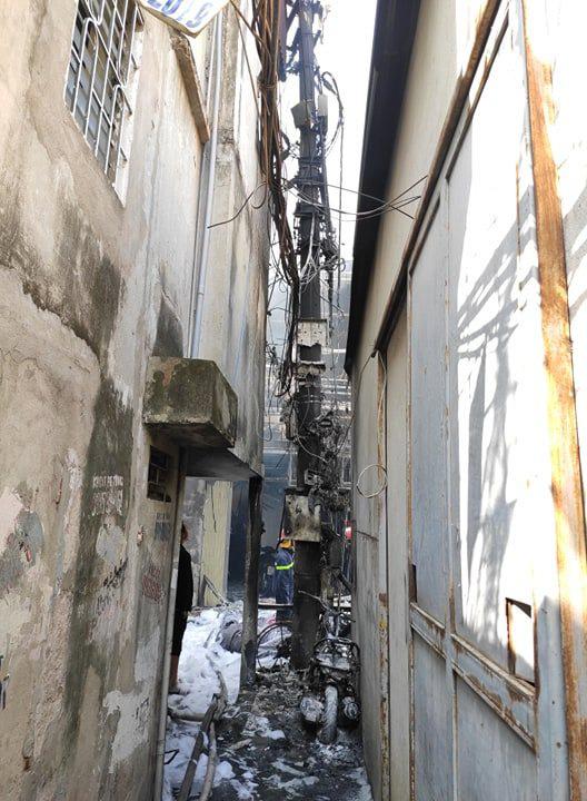 Hà Nội: Nổ bình gas gây ra cháy lớn trên phố Bùi Ngọc Dương - Ảnh 6.