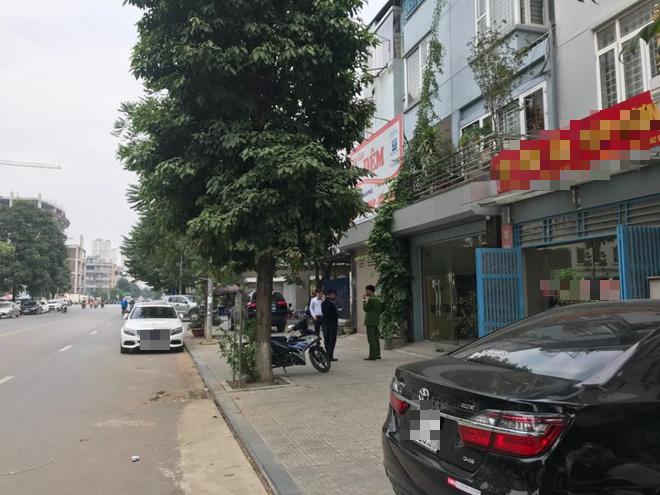 Công an khám nhà nguyên PGĐ Sở KH-ĐT Hà Nội bị bắt liên quan vụ Nhật Cường - Ảnh 3.