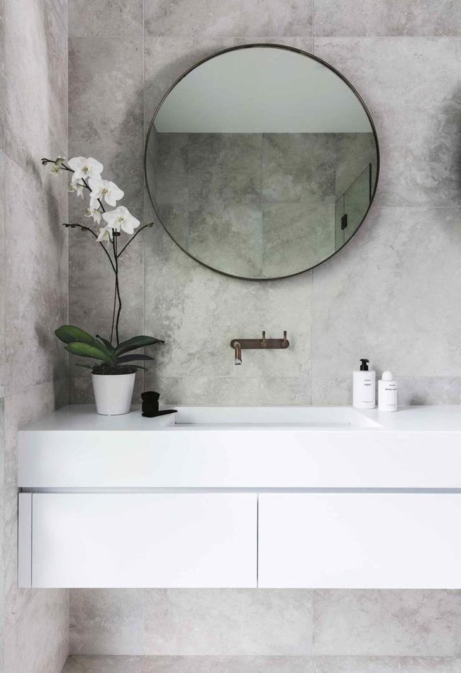 10 loại cây cảnh tốt nhất trồng trong phòng tắm để lấy thêm màu xanh và lọc không khí cho cả nhà - Ảnh 2.