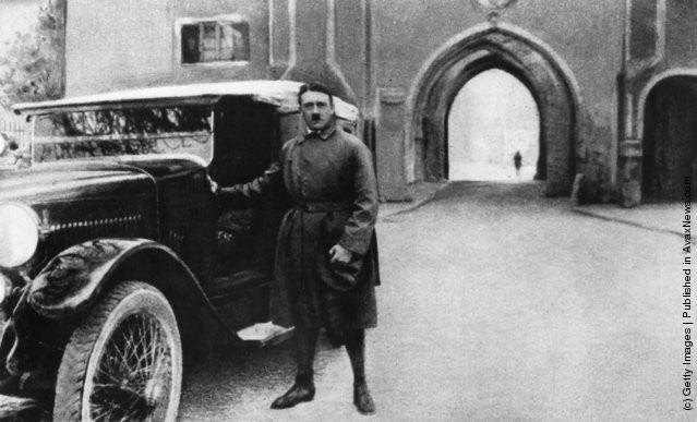 Ảnh hiếm về Adolf Hitler trước khi trở thành trùm phát xít khét tiếng - Ảnh 14.