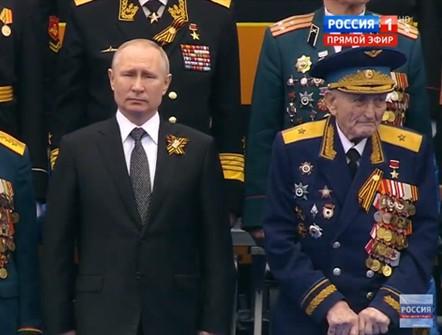 Nga đánh tiếng mời, Mỹ sẽ tham gia Lễ duyệt binh Ngày Chiến thắng trên Quảng trường Đỏ? - Ảnh 2.